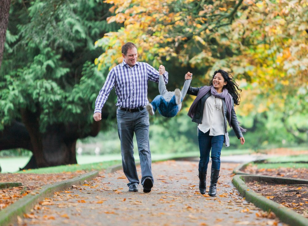 Playful, Candid Family Photos at Volunteer Park, Seattle
