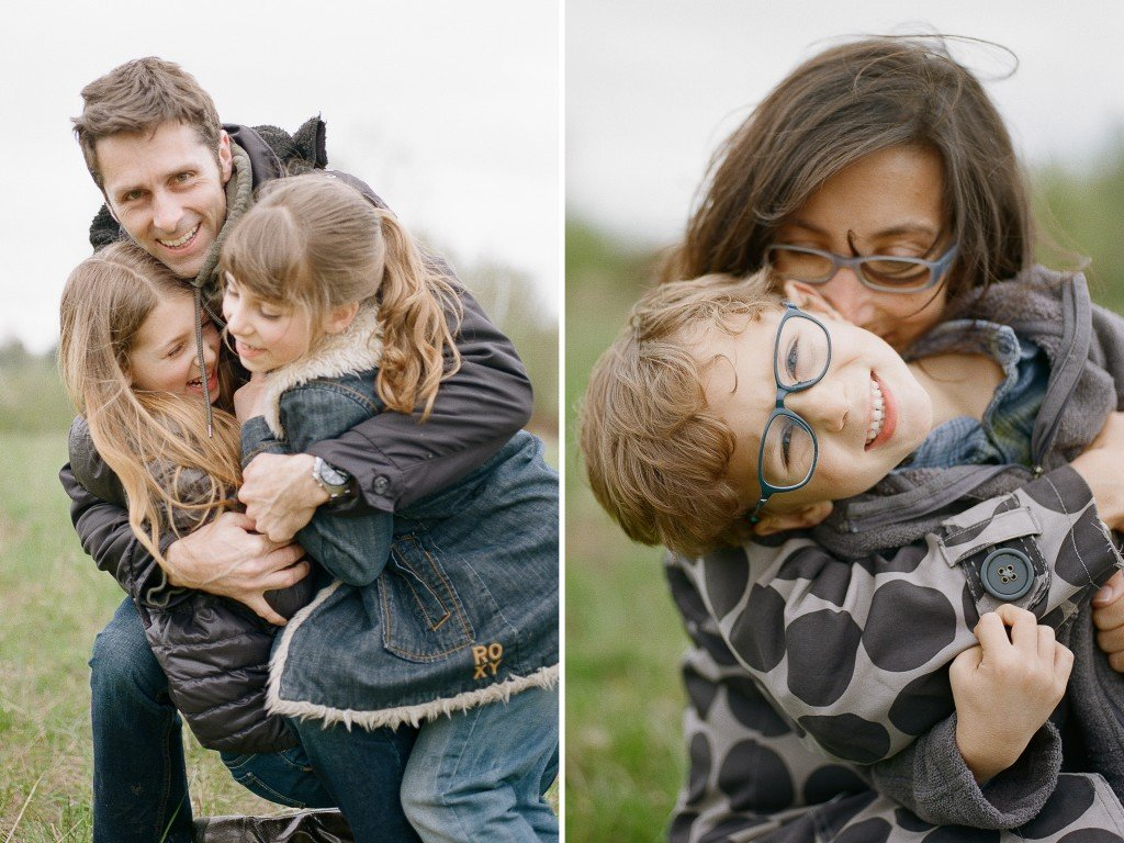 Bryant family photographer : mom and dad cuddling kids