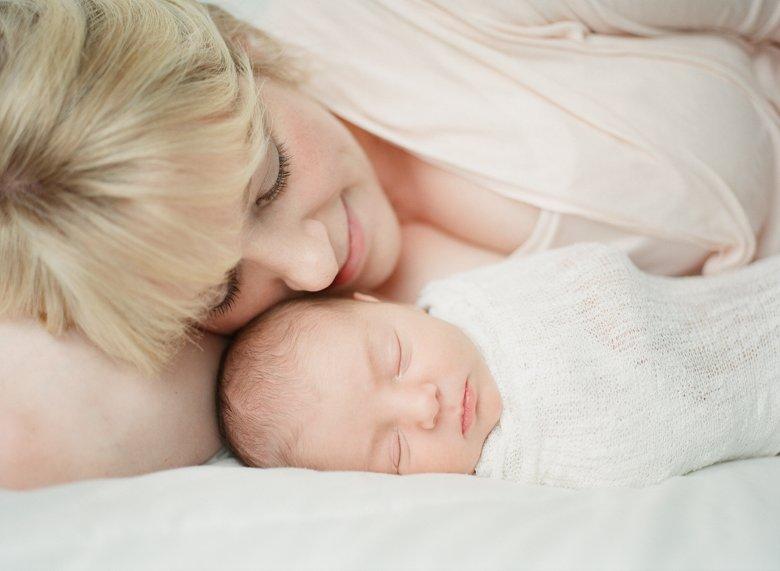 Seattle newborn photographer :
