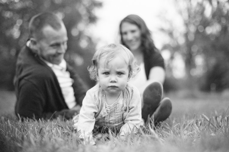 family_photos_with_toddler_girl_fields_Seattle-003