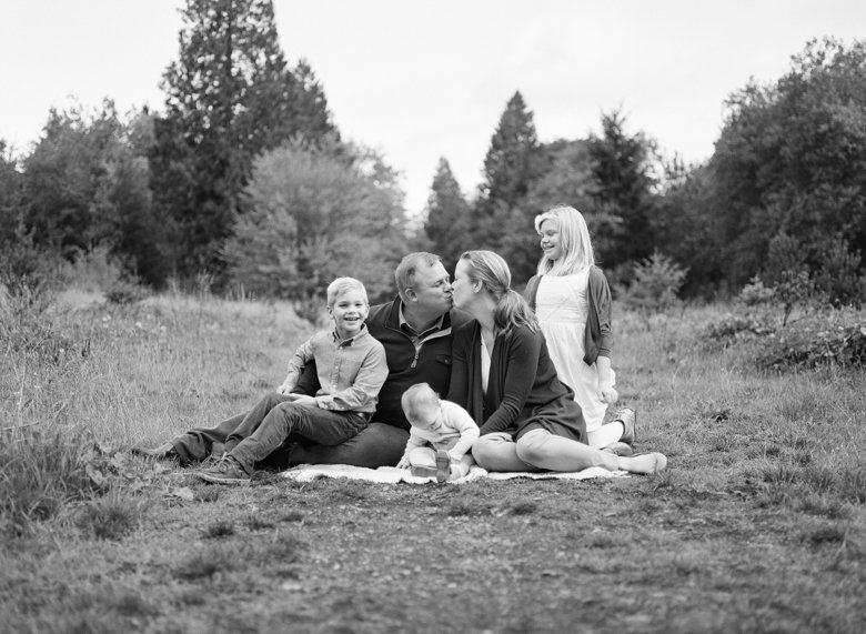 family_photos_film_in_seattle_Discovery_Park-001
