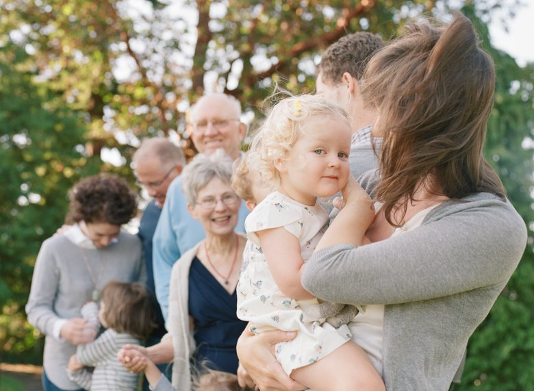 Seattle extended family photographer : group photo with focus on young grandchild