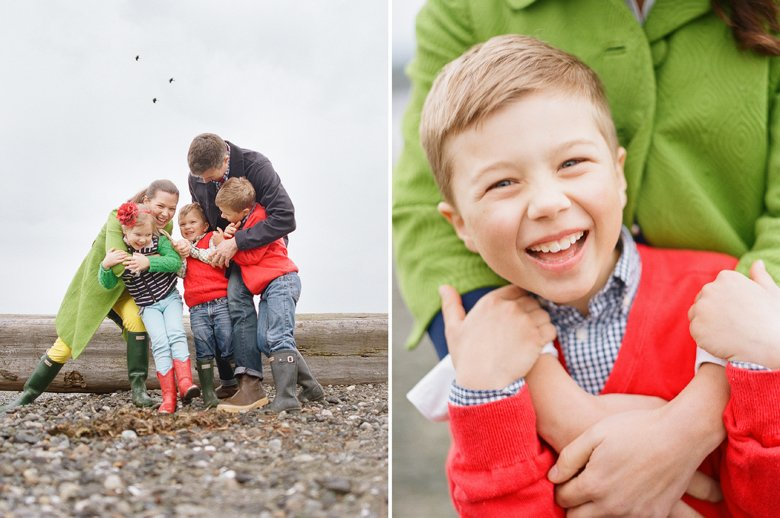 family photographer north seattle : family hugging
