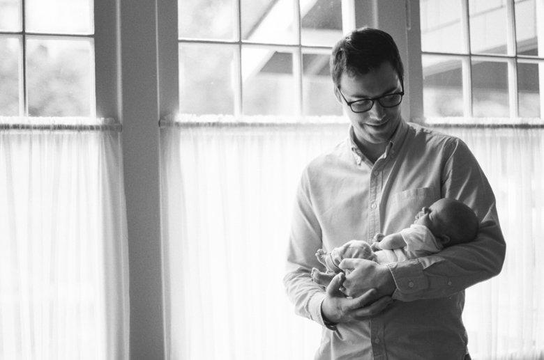 newborn-in-home-photo-session-Seattle-006