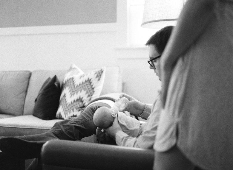 newborn-in-home-photo-session-Seattle-007