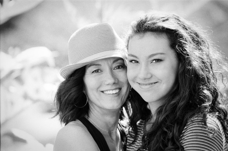 view ridge family photography : black and white photo of mom and teenage daughter
