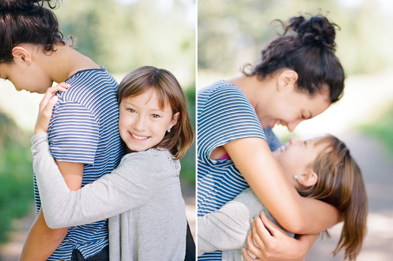 view ridge family photography : sisters hugging