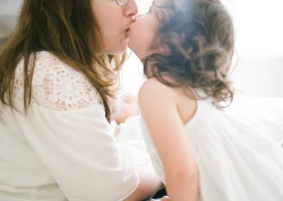 in-home-newborn-family-session-seattle-023