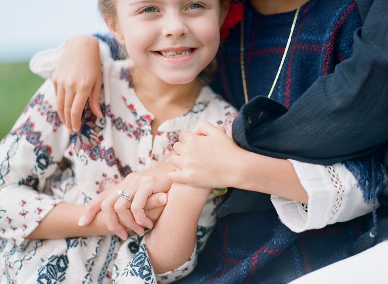 best family photographer seattle | girls holding hands