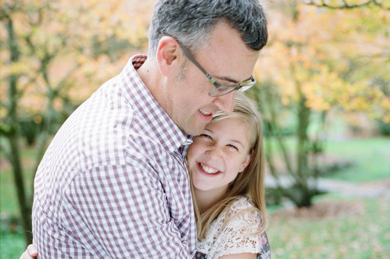 outdoor family session tween : dad and daughter