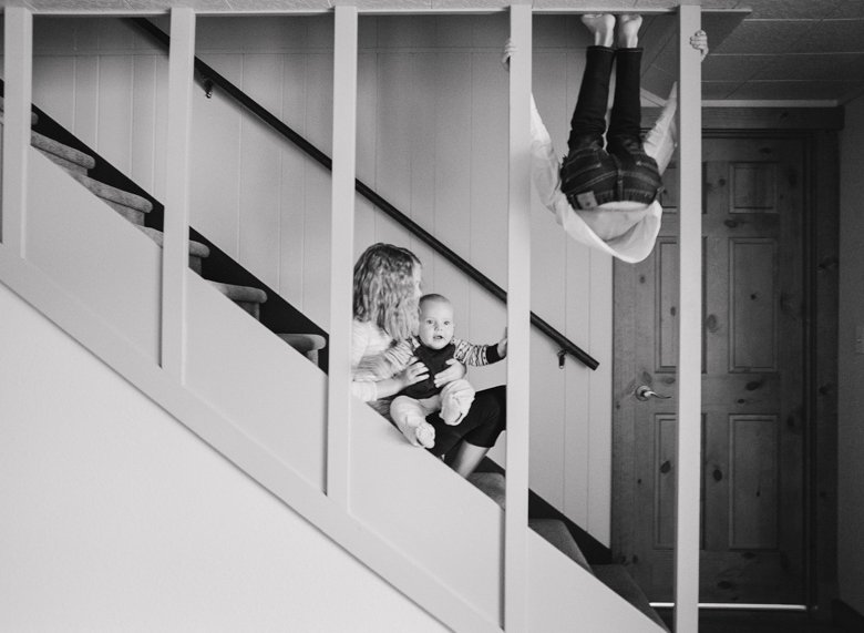 in home candid family photo session | kids on stairs