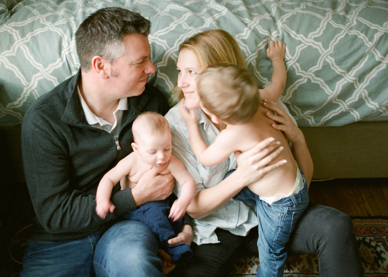 In-Home Family Photos Seattle, WA : Graber