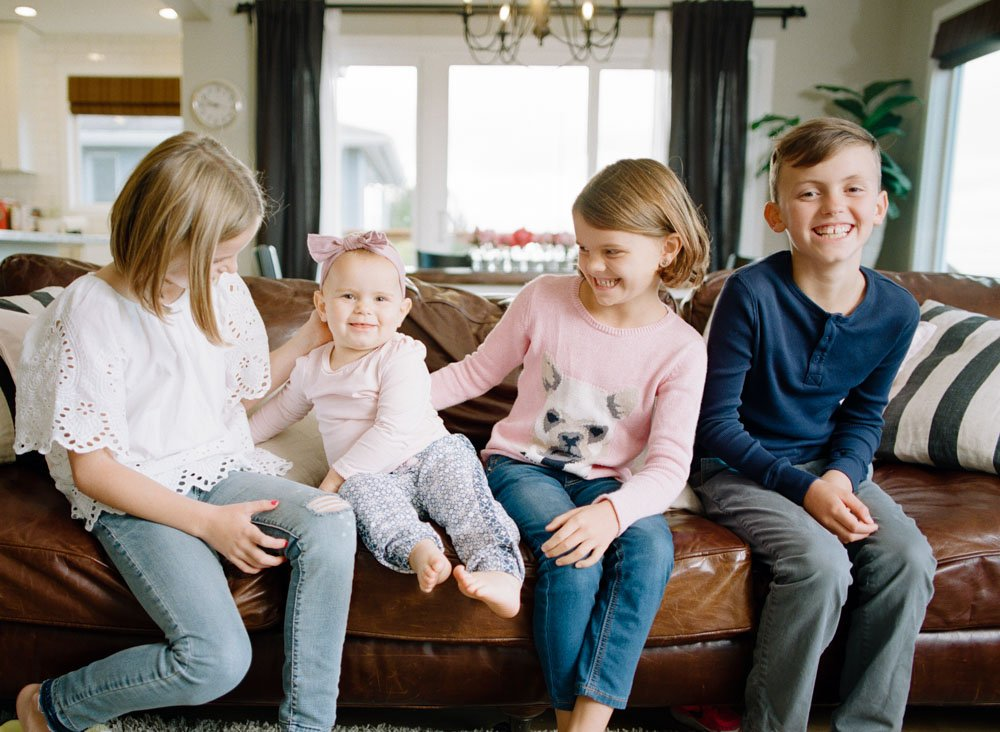 child photography seattle : four siblings on couch