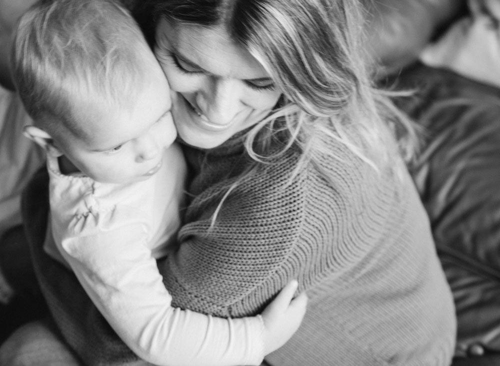child photography seattle : mom cuddling baby girl
